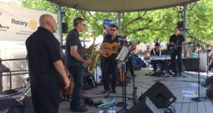 Video: Manzanares Performs at Pancakes on The Plaza